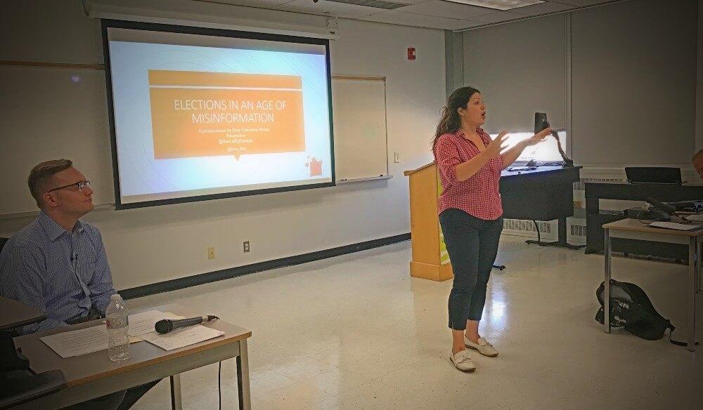 fake news workshop speaker Eva Salinas.